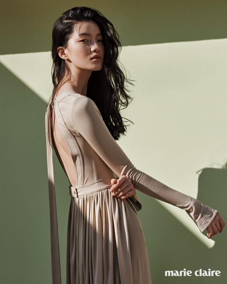옅은 살구색 베어 백 롱 드레스 가격 미정 세린느(Celine).