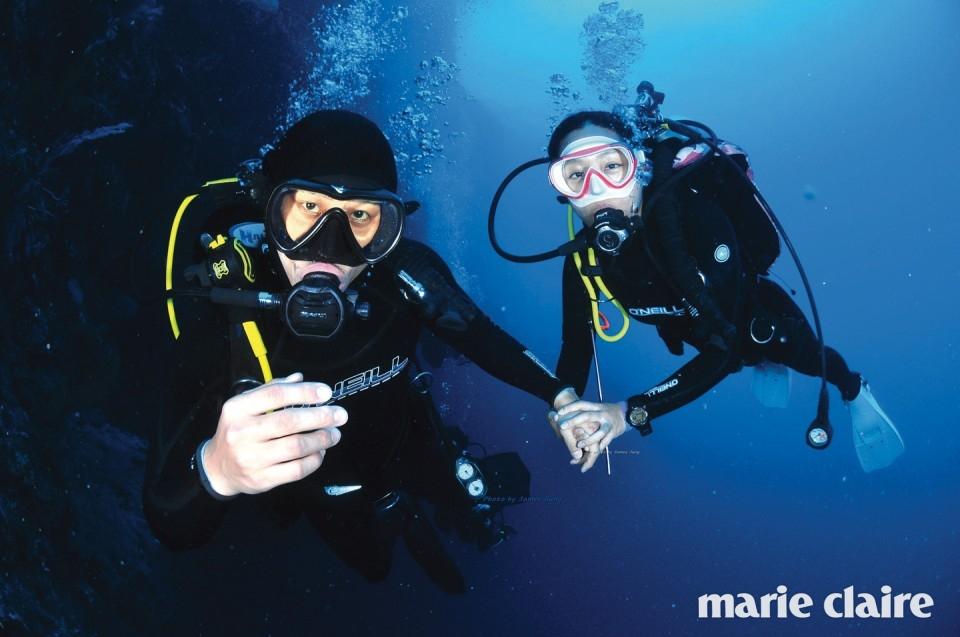 스쿠버다이빙 다이버 숍 '팔라우 제임스 다이브 센터 (Palau James Dive Center)'에서 다이빙과 숙박 등의 일정을 도움 받았다. 항공권은 '여행박사'를 통해 예약했다. 비용 다이빙 2백10만원 포함 총 5백만원