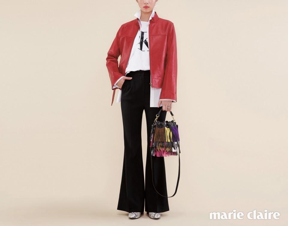 로고 프린트 티셔츠 가격 미정 캘빈 클라인 진(Calvin Klein Jeans), 롱 슬리브 화이트 셔츠 23만9천원, 레드 라이더 재킷 79만9천원 모두 브이엘(V+eL), 블랙 플레어 팬츠 가격 미정 로맨시크(Romanchic), 레더 하이힐 앵클부츠 42만9천원 보브(VOV), 모던한 메탈 싱글 이어링 8만9천원 렉토(Recto), 메탈 볼 장식 링 6만2천원 모두 먼데이 에디션(Monday Edition), 컬러풀한 프린지 장식 버킷 백 2백70만원대 생 로랑(Saint Laurent).