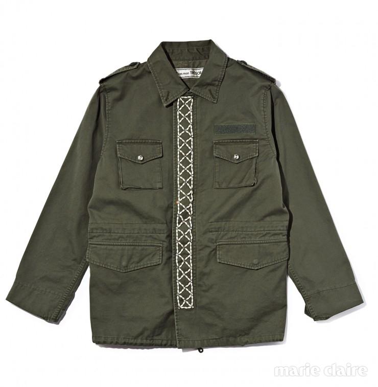 앞판과 뒤판에 진주를 장식한 야상 재킷 2백95만원.