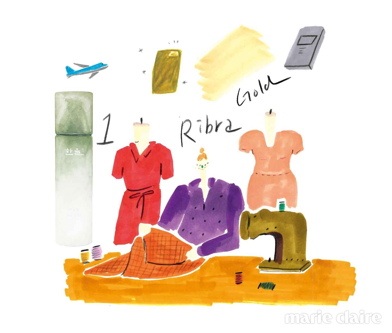 행운을 가져다줄 뷰티 아이템 한율 어린쑥 수분진정수. 150ml, 2만5천원대. 어린쑥 추출물과 한율자연이온수가 피부에 촉촉한 수분과 활력을 전달한다.