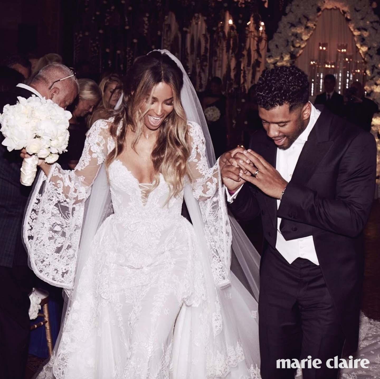 절친한 친구인 디자이너 피터 둔다스의 웨딩드레스를 입은 시아라의 결혼식