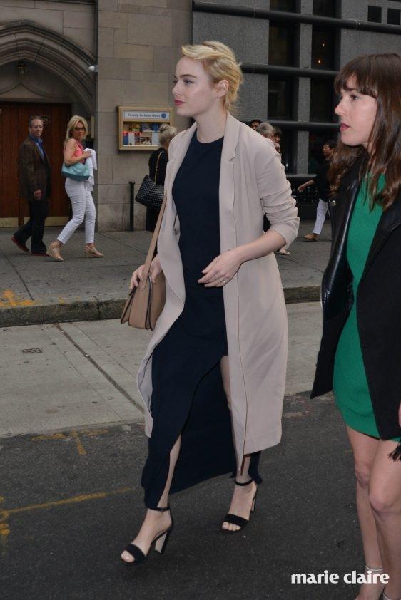 Emma Stone leaving a resturanti Midtown Featuring: Emma Stone Where: Manhattan, New York, United States When: 04 Jun 2016 Credit: TNYF/WENN.com