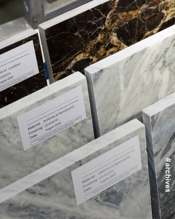 프라다 매장 프라다 컬렉션 무대 프라다 인테리어 디자인 건축자재 대리석 프라다 대리석 프라다 아카이브 프라다 디자인 Prada Remix Prada Archive Prada Design